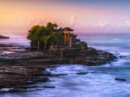 Hoàng hôn đền Tanah Lot Bali